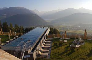 10 bể bơi đẹp nhất thế giới