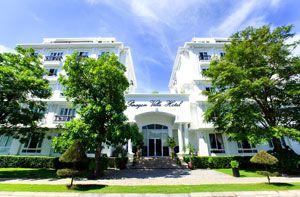 Khách sạn Paragon