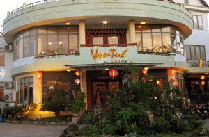 Nhà hàng Vạn Tuế Thăng Long