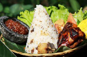 7 món cơm bạn nên thử khi đến Indonesia