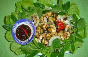 Đặc sản ốc bươu xào sa tế miền Tây mùa nước nổi
