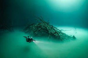 Khám phá hồ nước ngầm bí ẩn ở Mexico