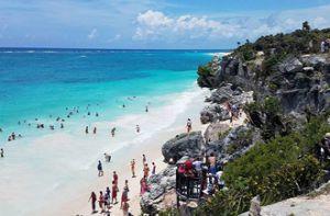 Những điểm du lịch nổi tiếng bị đe dọa vì quá đông du khách