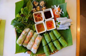 Nước chấm 'nhỏ mà có võ' trong ẩm thực Việt