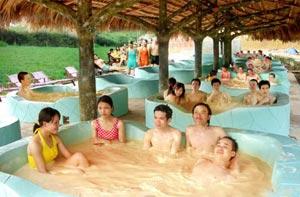 Khám phá Hồ Cốc - Suối nước nóng Bình Châu