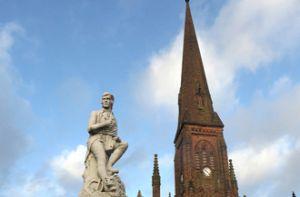 Đến Dumfries ghé thăm nhà thơ Robert Burns