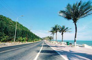 Phượt trên 5 cung đường ven biển đẹp mê ly ở Việt Nam