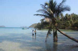 Những ngày đi trốn trên đảo Nam Du