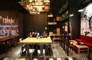 Quán cà phê kiêm văn phòng ở Sài Gòn
