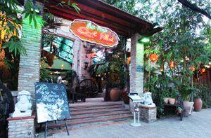 Làng ẩm thực Quê Nhà - Không gian ẩm thực Việt