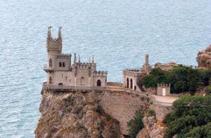 Top những lâu đài nằm giữa khung cảnh lãng mạn đẹp như cổ tích