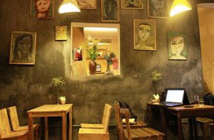 Những quán cà phê gợi nhớ tuổi thơ ở Hà Nội